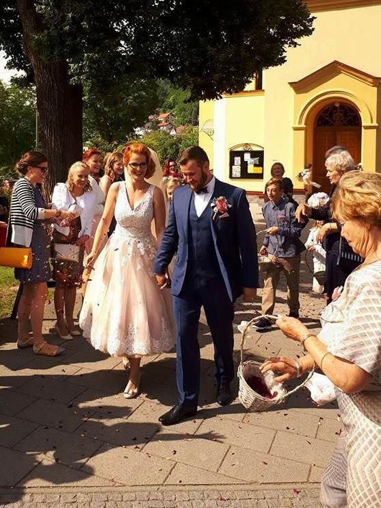 peter_a_lucia - Krátke čipkované svadobné šaty