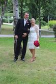 Krátke čipkované svadobné šaty
