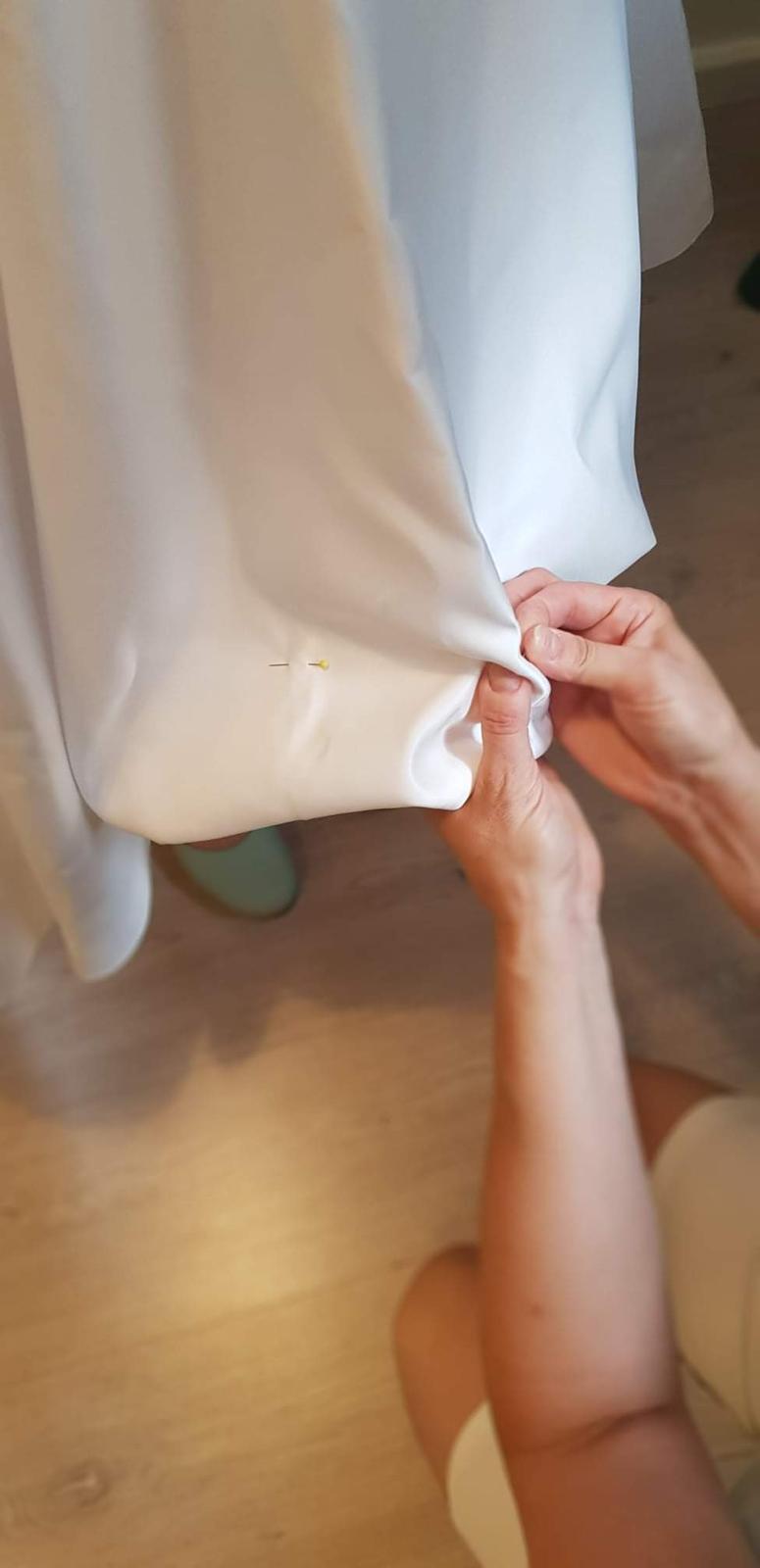 Radka a jej dúhové krátke svadobné šaty ❤ (ako sa to tvorilo) - Obrázok č. 6