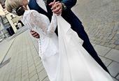 Moderní krajkové svatební šaty, 34