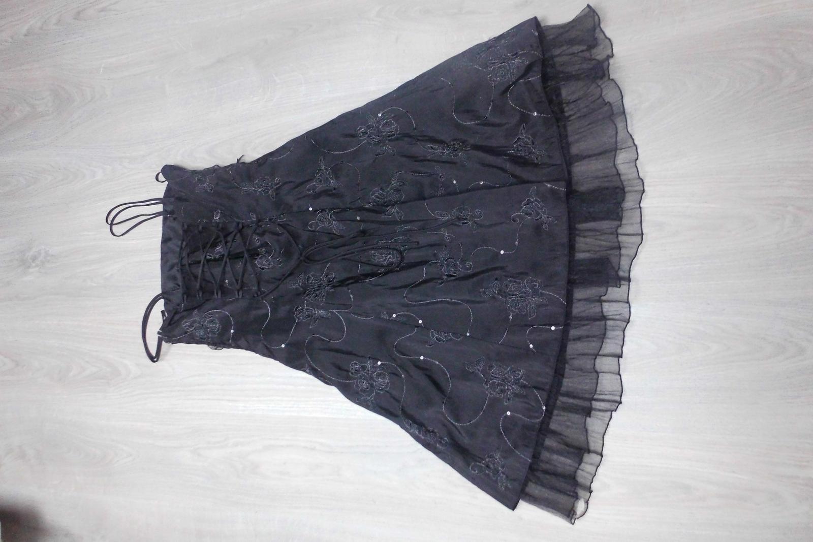 Šaty - Obrázek č. 2