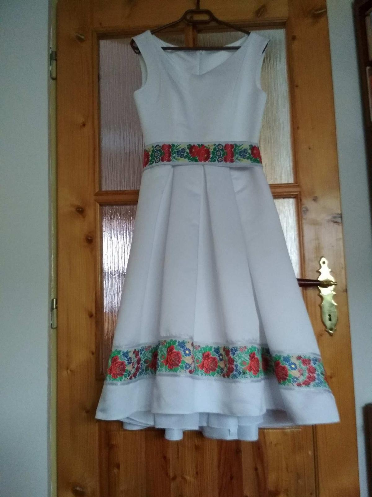 Svadobné alebo popolnočné jedinečné folklór šaty  - Obrázok č. 3