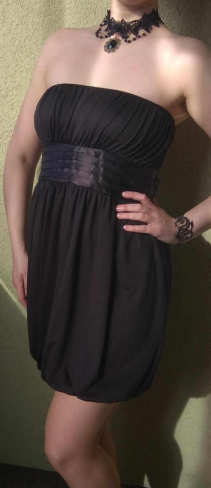 Černé společenské šaty s mašlí - Obrázek č. 2