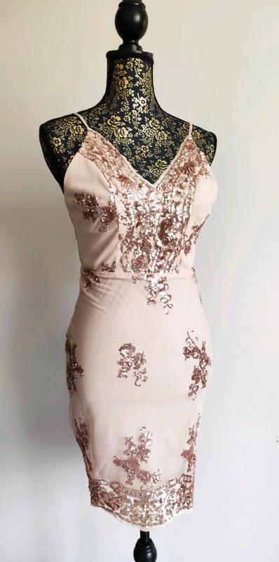 Společenské slavností šaty - Obrázek č. 1