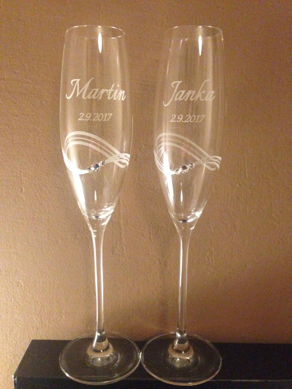 ♥ všetko okolo svadby :D ♥ - z týchto pohárov si pripijeme na naše zdravie, objednané z Diamante.sk... naživo sú ešte krajšie.