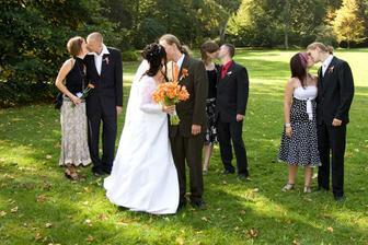 A líbáme se všichni:-))