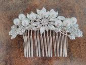 Perličkový hřebínek do vlasů s kamínkama,