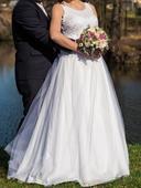 Svatební šaty pro vysokou nevěstu, 44