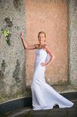 Sloupové svatební šaty, 36