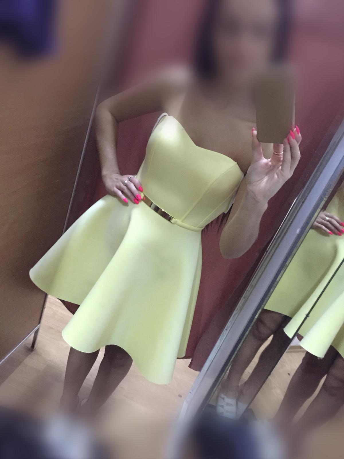 Žlté šaty bez ramienok - Obrázok č. 1