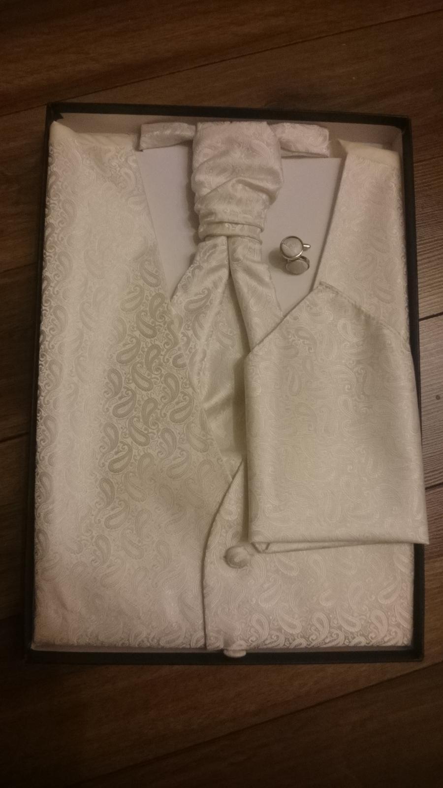 Vesta+ kravata+ vreckovka+ manzetove gombiky ORSI - Obrázok č. 1