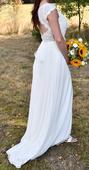 Jednoduché něžné svatební šaty, 40
