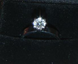 můj nádherný zásnubní prsten