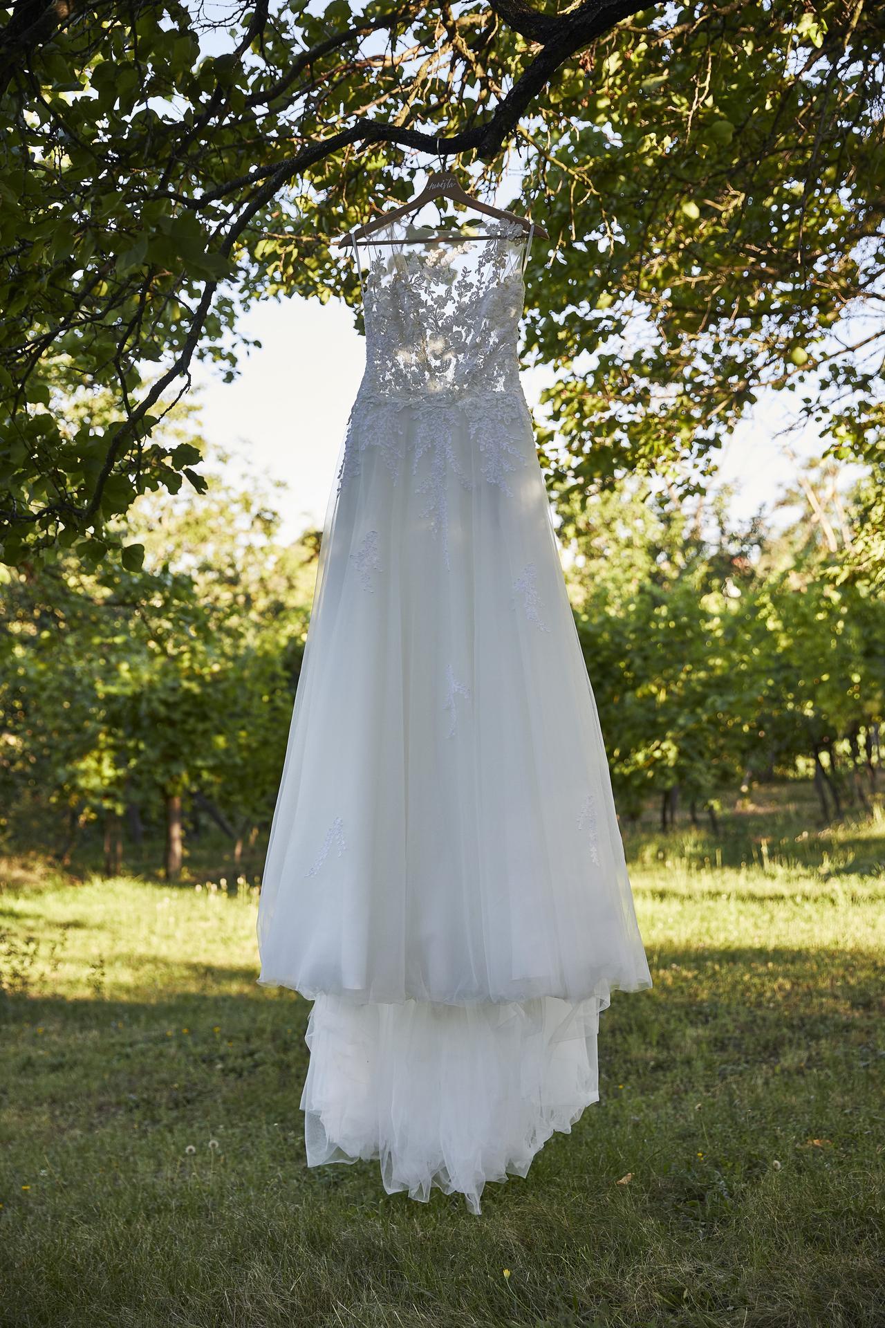 Naše slovácká svatba - Šaty pujčené ze Svatebního Salonu Svatka v UH.