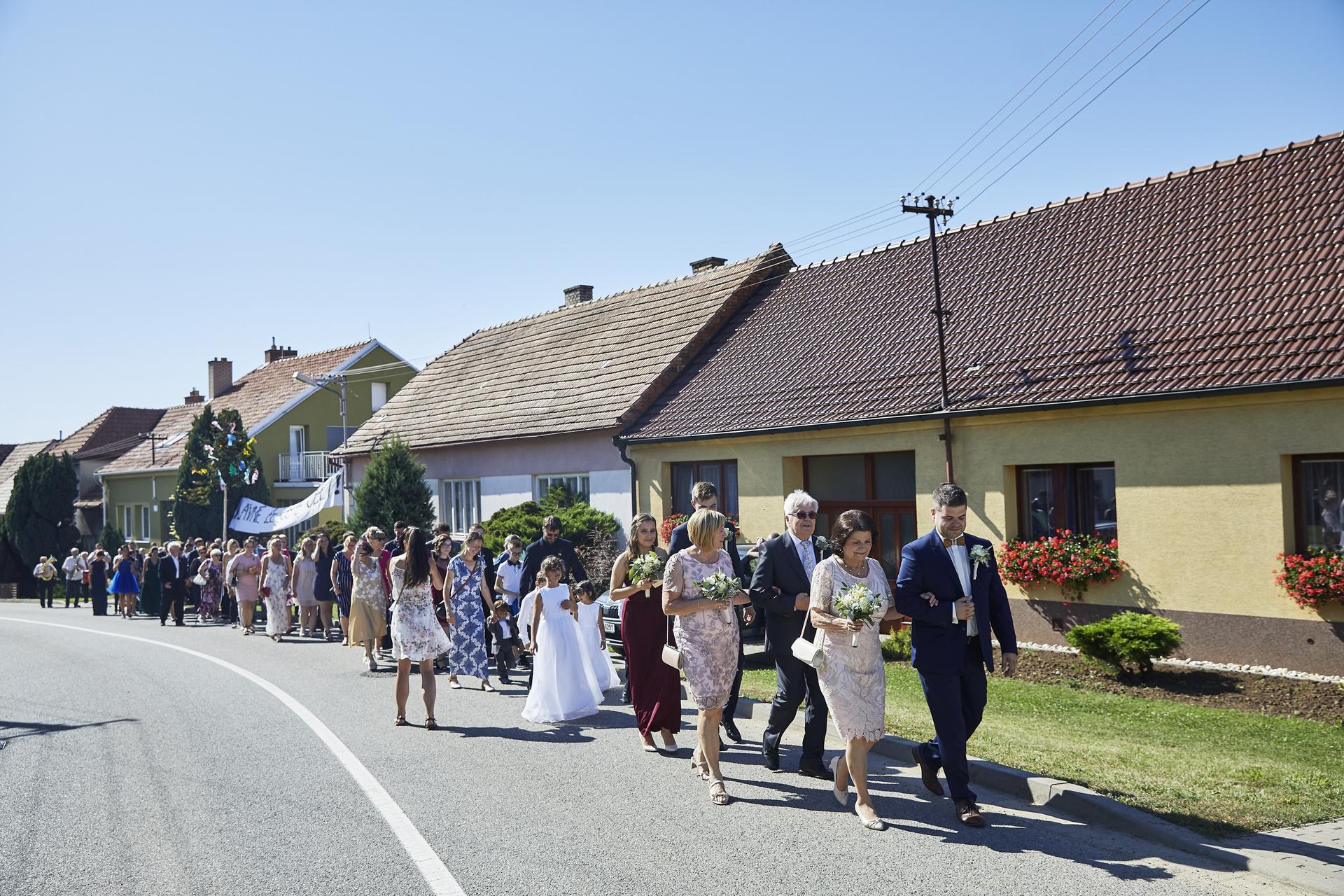 Naše slovácká svatba - Průvod n obřad