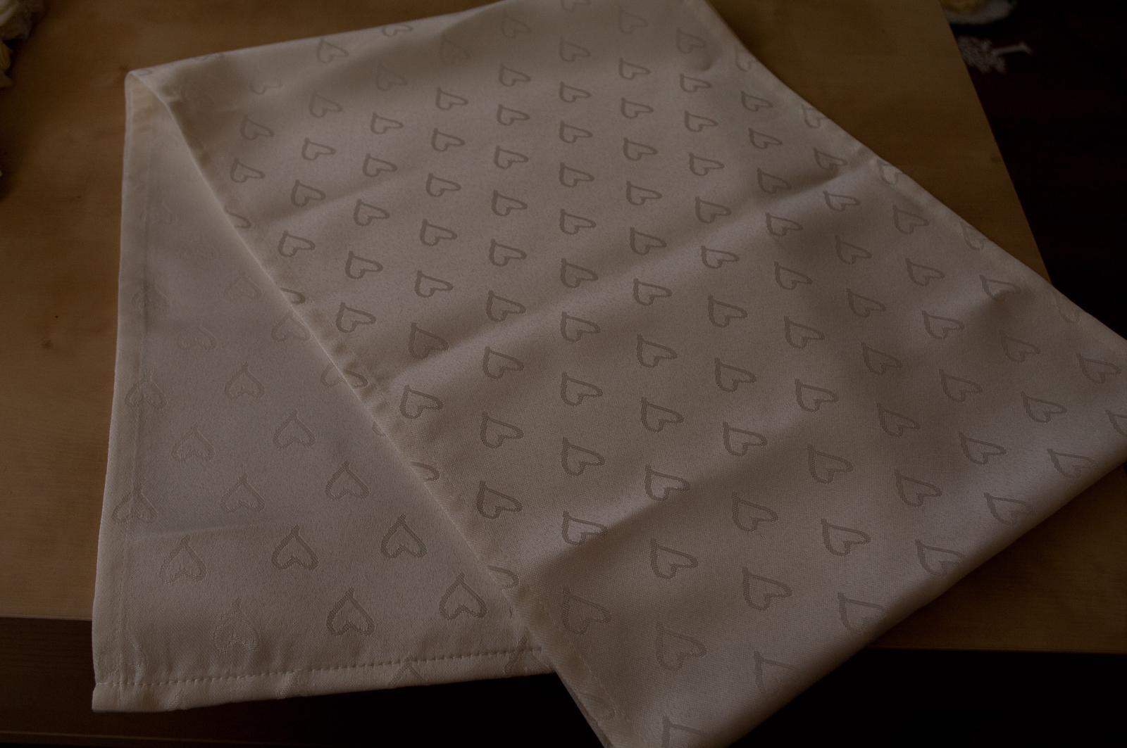 Ubrus - běhoun na stolek - Obrázek č. 1