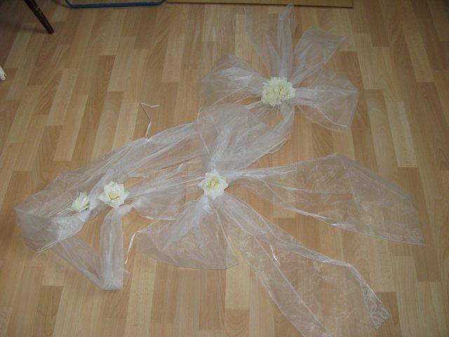 Přípravy - mašle na auto nevěsty - dopředu + dozadu