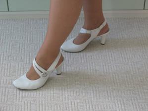 botky na nohách..