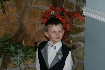 Môj krstný syn...doniesol nám prstienky ;o)
