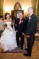 už vedou nevěstu