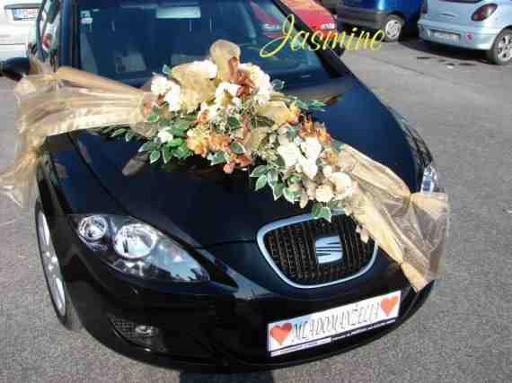 Petra Erik...svadobne pripravy na 15.5.2010 (moje narodeniny) - kvety v inej farbe nech to je trosku zivsie