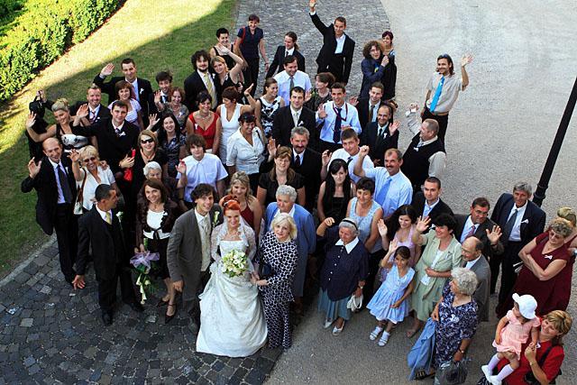 Adela{{_AND_}}Juraj - väčšina svadobčanov