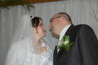 A zas manželská pusa