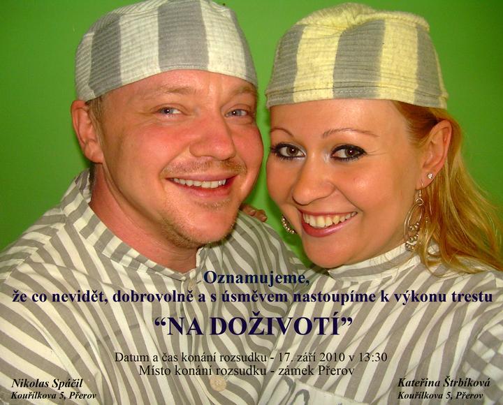 Kateřina{{_AND_}}Nikolas - Chtěli jsme veselou nekonvenční svatbu, takže jsme už oznámení pojali v tomto duchu.