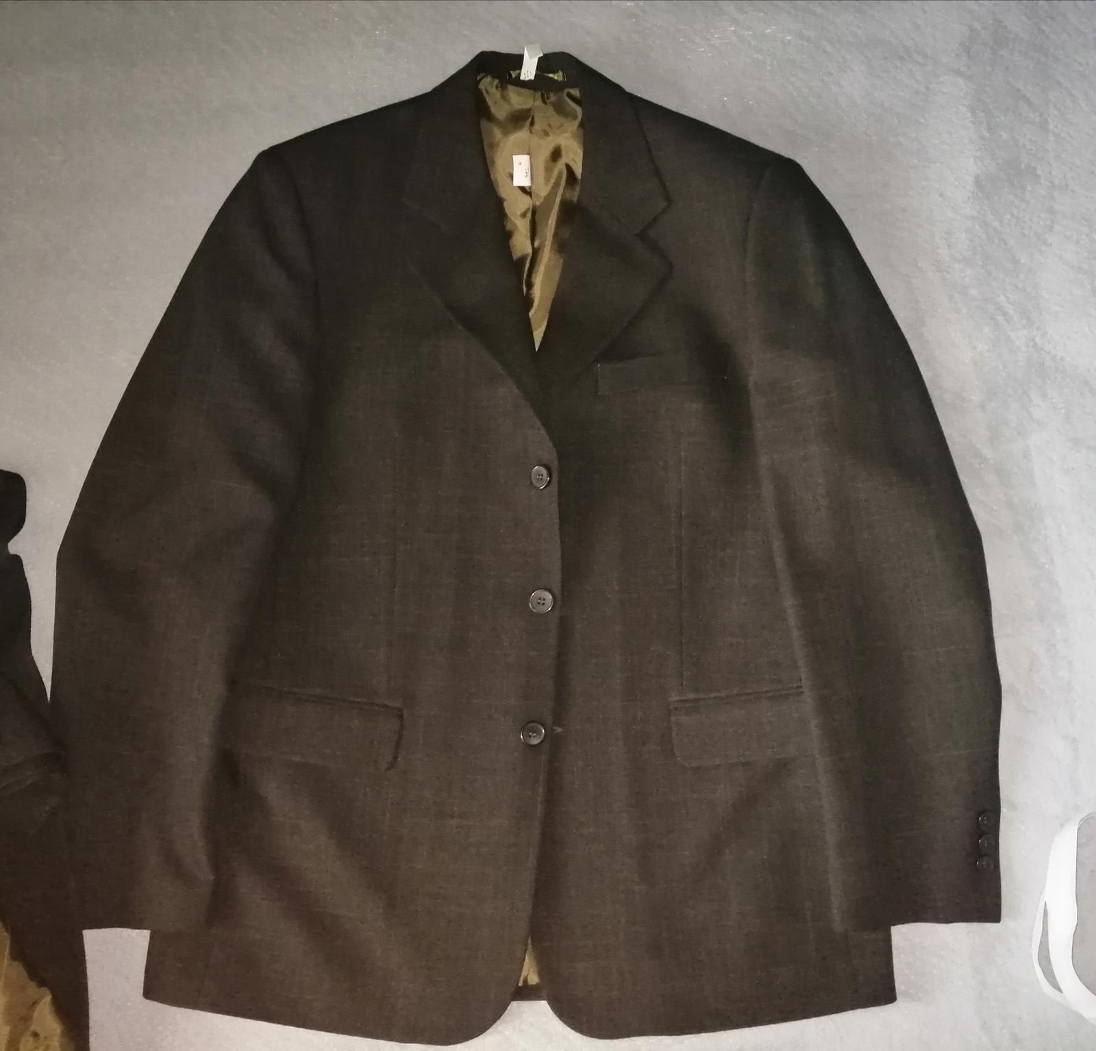 Tmavo hnedý oblek s vestou - Obrázok č. 1