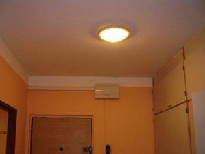 Nový rozvaděč a světlo na chodbě