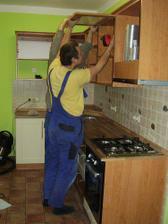 Montuje se kuchyň