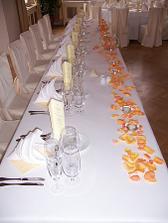 další stůl...