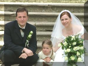 tahle malá Viktorka nám byla vzorem pro naší vlastní, kterou jsme si pořídili k 1. výročí naší svatby :-)