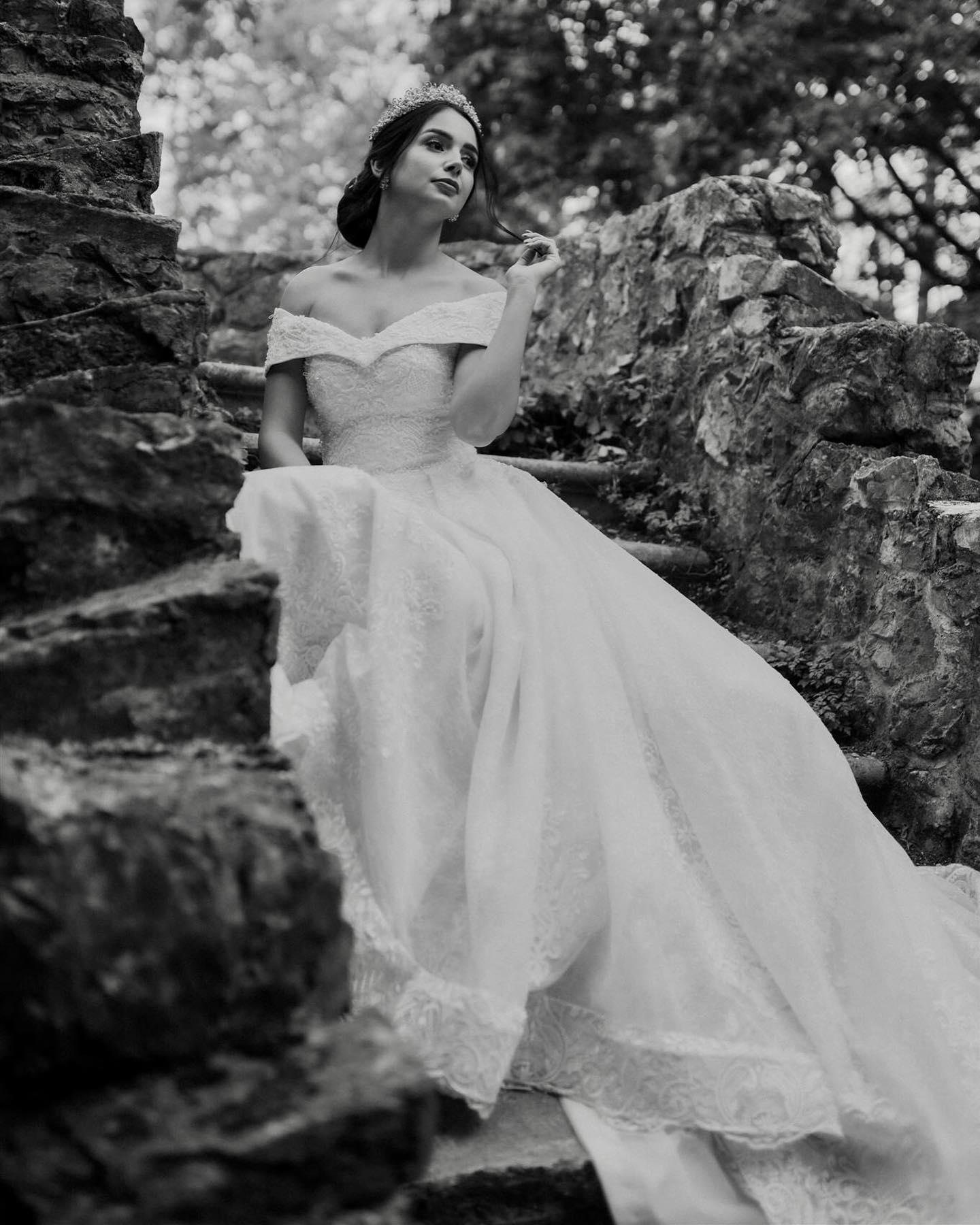 Naša krásna nevesta v nezabudnuteľných šatách GRETTA :) - Obrázok č. 1