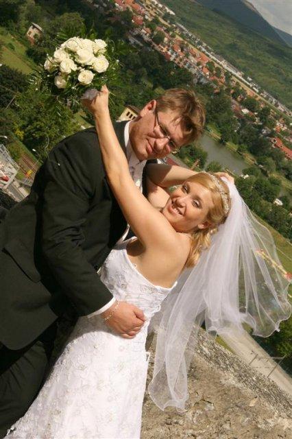 Katka{{_AND_}}Andrej - bolo  25  stupňov a  na hrade fúkal príjemný vietor