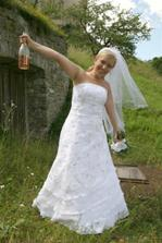 aj z flaše sa dá piť :)