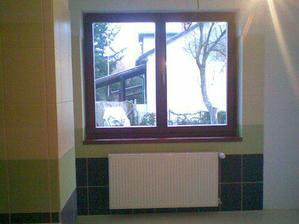 naše veľkéé okno v kúpeľni..