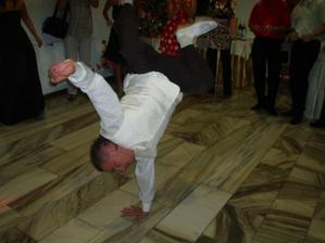 Breakdance - ženích po pol noci
