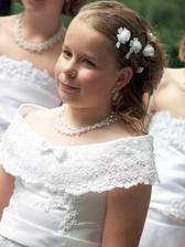 moja sestricka Janka, v den svadby mala 10 rokov :-)