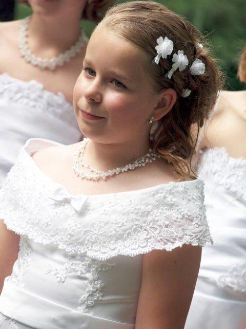 Zuzka{{_AND_}}Mirko Trúchly - moja sestricka Janka, v den svadby mala 10 rokov :-)