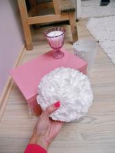 krabička na přání(dozdobím ještě), svíčka(no není kouzelná?) a mnou vytvořený květ...+ svícen či vázička