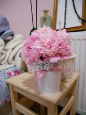 Holky, kdyby tak kvetly i za tři týdny, tak si z nich udělám zadarmo krásné dekorace stolu:))