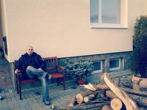 máme novou lavičkuuuu :-)