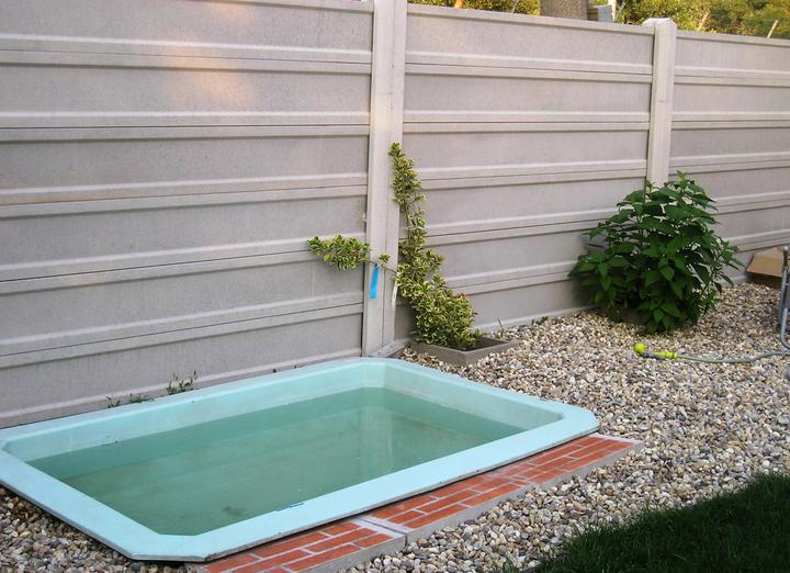 Záhradka - Bazén pre psa. :-)