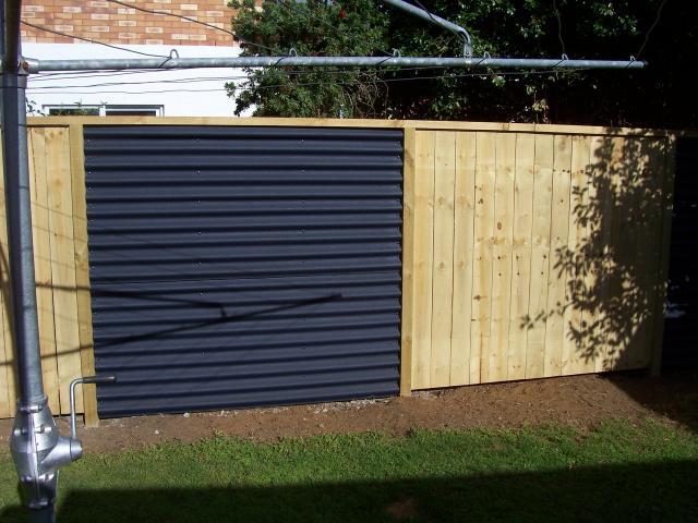 Veľmi lacný plný plot - Obrázok č. 3