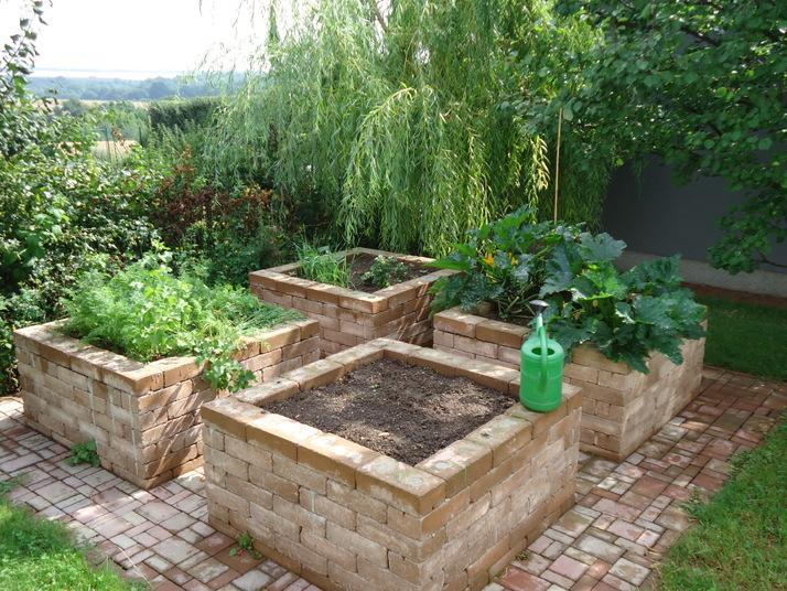 Zeleninová záhradka po novom - Toto by bol ideál, ale príliš nákladný na vybudovanie. Budem hľadať jednoduchšie riešenie.