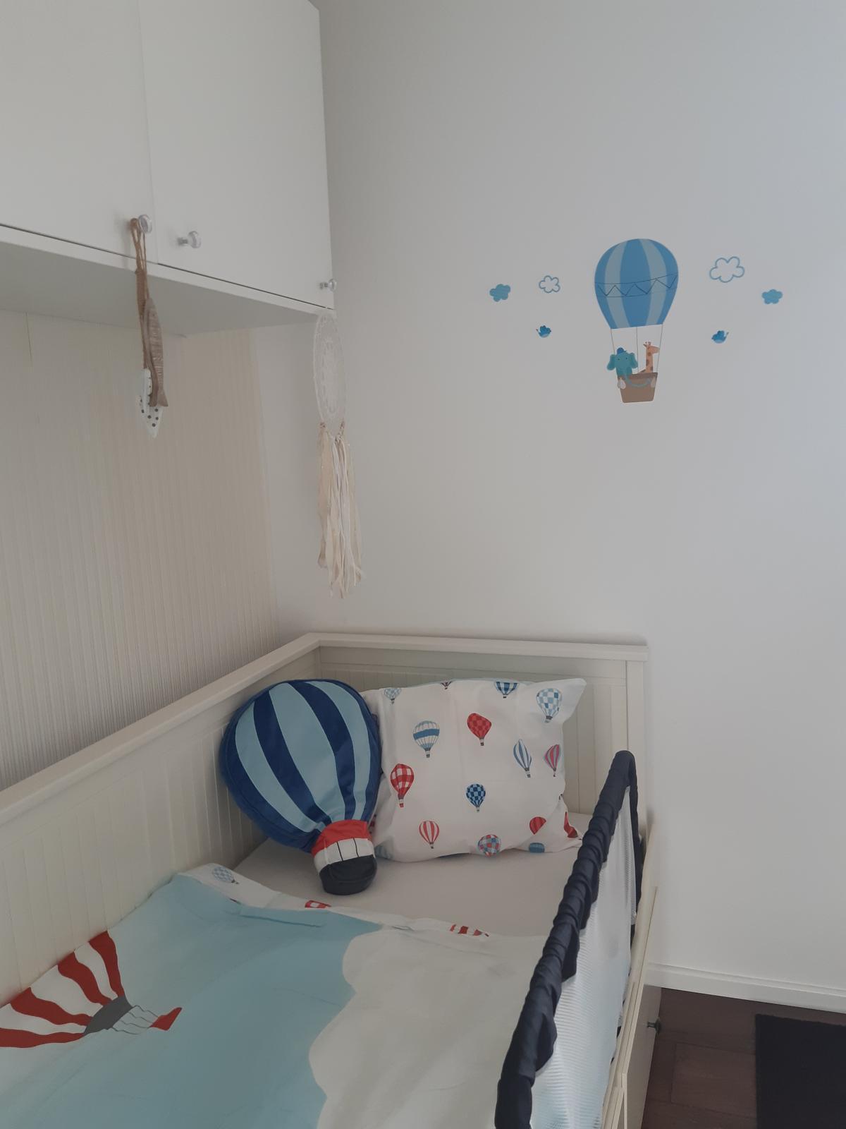Malý, ale môj. :-) - Este tak synatora presvedcit, ze uz je velky a bude spavat vo velkej posteli.
