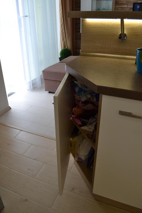 Náš sen...náš domov ♥ - super prirucna skrinka na bordel a tasky :)
