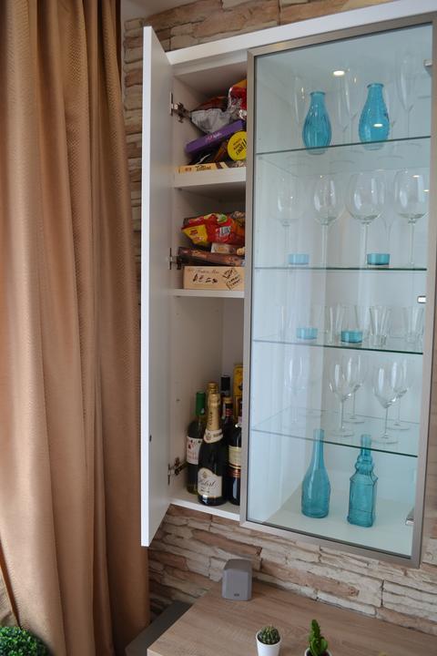 Náš sen...náš domov ♥ - ulozny priestor na slane a alkohol :)