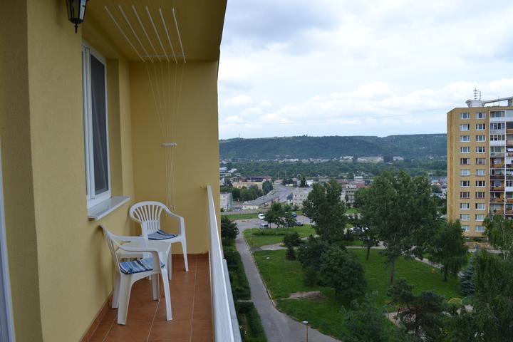 Náš sen...náš domov ♥ - vyhlad z balkonu